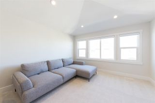 Photo 32: 6918 JOHNNIE CAINE Way in Edmonton: Zone 27 House for sale : MLS®# E4240856