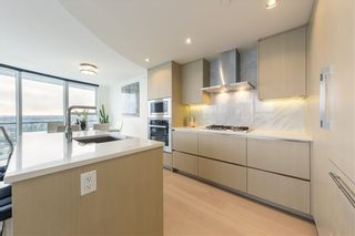 "Photo 5: 2517 89 NELSON Street in Vancouver: Yaletown Condo for sale in ""THE ARC"" (Vancouver West)  : MLS®# R2531814"