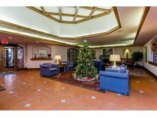 """Photo 2: 410 15111 RUSSELL Avenue: White Rock Condo for sale in """"Pacific Terrace"""" (South Surrey White Rock)  : MLS®# R2127847"""