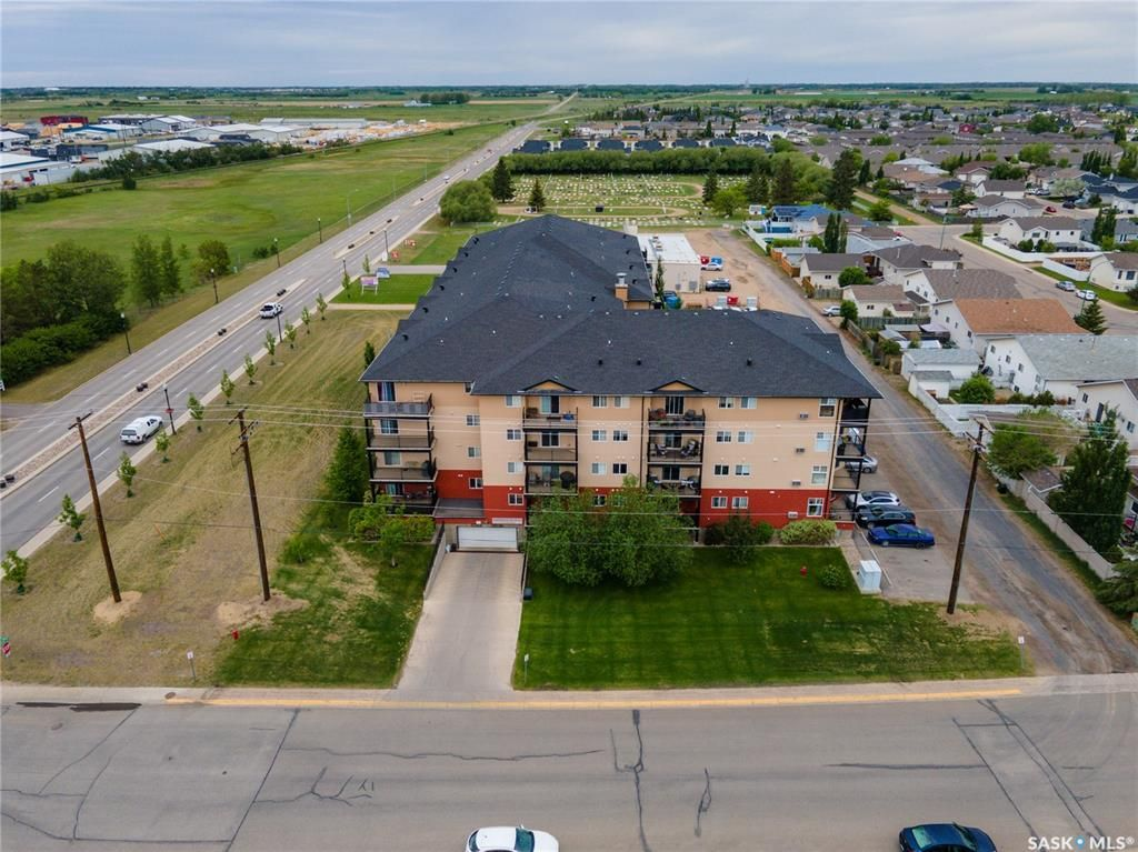 Main Photo: 417 100 1st Avenue North in Warman: Residential for sale : MLS®# SK859039