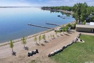 Photo 4: 400 Lakeshore Drive in Wee Too Beach: Residential for sale : MLS®# SK858460