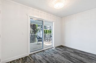 """Photo 17: 23 2303 CRANLEY Drive in Surrey: King George Corridor Manufactured Home for sale in """"Sunnyside Estates"""" (South Surrey White Rock)  : MLS®# R2550516"""