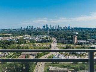"""Photo 17: 2408 4485 SKYLINE Drive in Burnaby: Brentwood Park Condo for sale in """"SOLO DISTRICT - ALTUS"""" (Burnaby North)  : MLS®# R2373957"""
