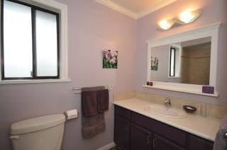 """Photo 16: 10351 HOGARTH Place in Richmond: Woodwards House for sale in """"WOODWARDS"""" : MLS®# V881151"""