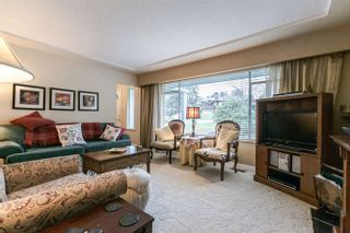 Photo 4: 7056 HILLVIEW Street in Burnaby: Government Road House for sale (Burnaby North)  : MLS®# R2039855