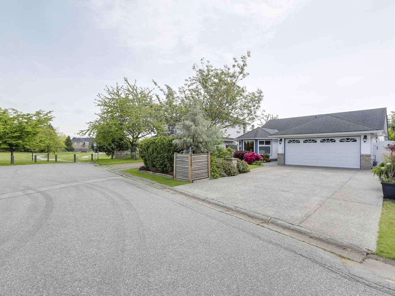 Main Photo: 6126 GALBRAITH CRESCENT in Delta: Holly House for sale (Ladner)  : MLS®# R2168761