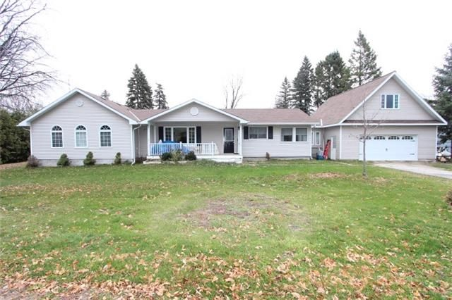 Main Photo: 107 Parklawn Boulevard in Brock: Beaverton House (Bungalow) for sale : MLS®# N3657167