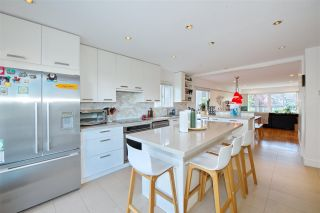 Photo 3: 683 W 26TH Avenue in Vancouver: Cambie House for sale (Vancouver West)  : MLS®# R2585324