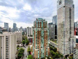 "Photo 19: PH3 1050 SMITHE Street in Vancouver: West End VW Condo for sale in ""STERLING"" (Vancouver West)  : MLS®# R2495075"