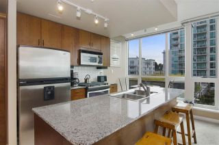 """Photo 6: 502 138 E ESPLANADE in North Vancouver: Lower Lonsdale Condo for sale in """"Premier at the Pier"""" : MLS®# R2108976"""