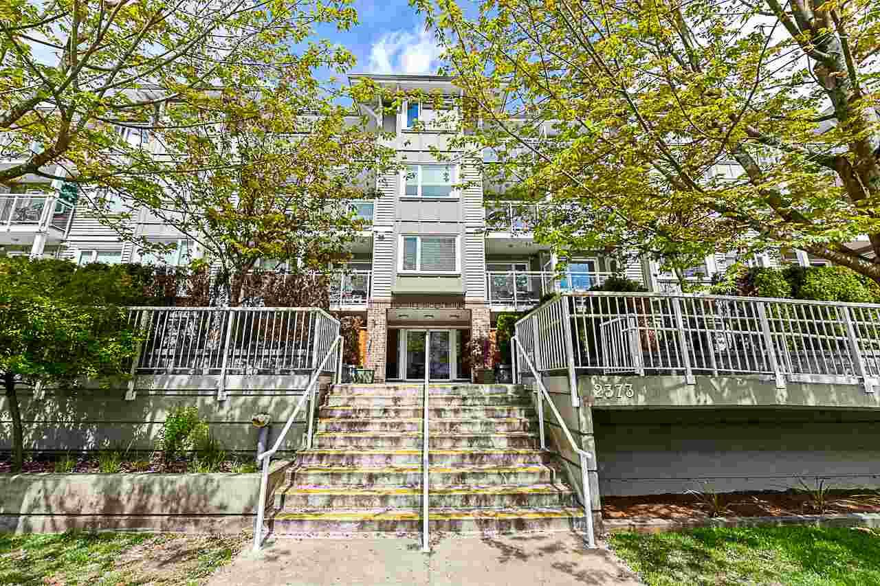 """Main Photo: 209 2373 ATKINS Avenue in Port Coquitlam: Central Pt Coquitlam Condo for sale in """"Carmandy"""" : MLS®# R2365119"""