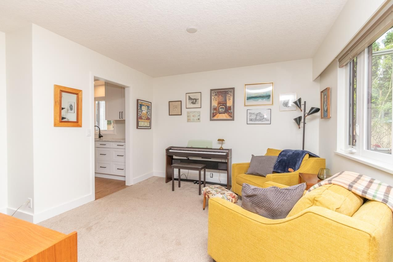 Photo 13: Photos: 1314 MOUNTAIN Highway in North Vancouver: Westlynn House for sale : MLS®# R2572041