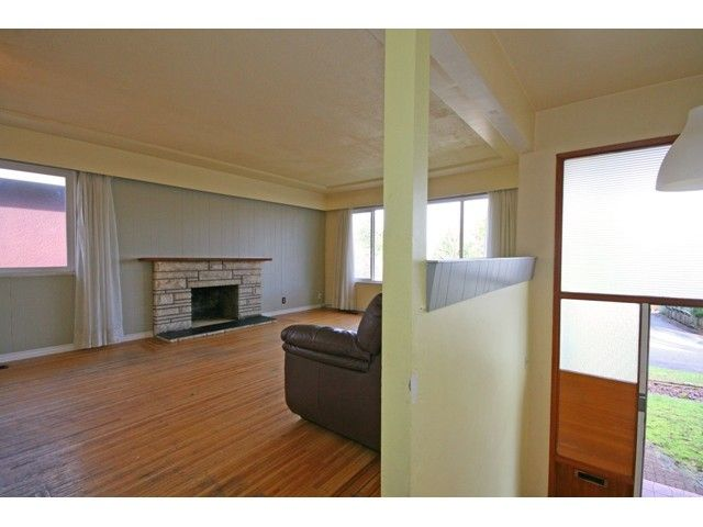 Photo 7: Photos: 3312 CHURCH Street in Vancouver: Collingwood VE House for sale (Vancouver East)  : MLS®# V1101706