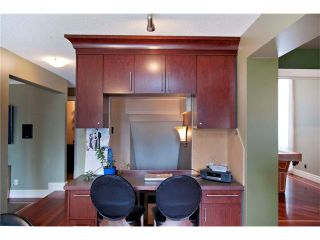 Photo 8: 6527 COACH HILL Road SW in Calgary: Coach Hill House for sale : MLS®# C4073200