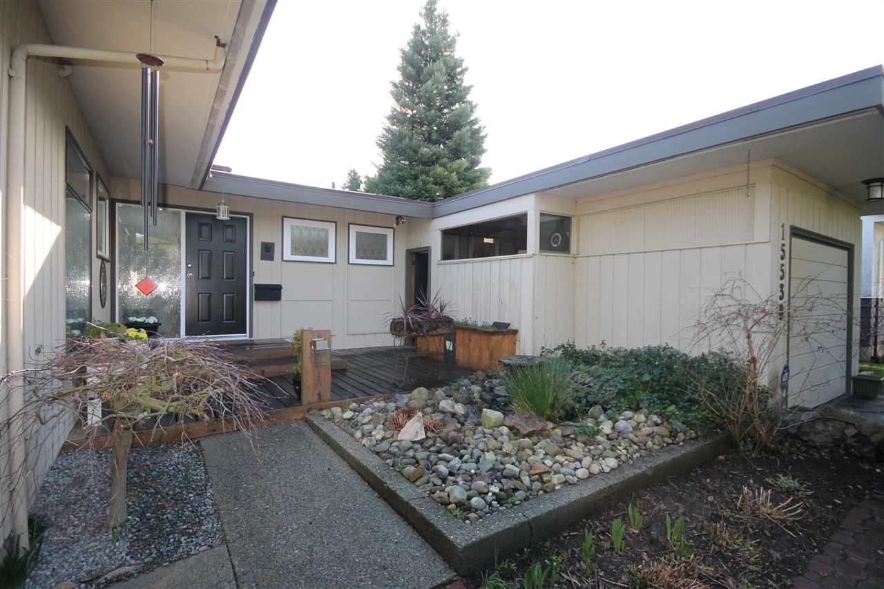 """Main Photo: 15530 THRIFT Avenue: White Rock House for sale in """"White Rock"""" (South Surrey White Rock)  : MLS®# R2035258"""