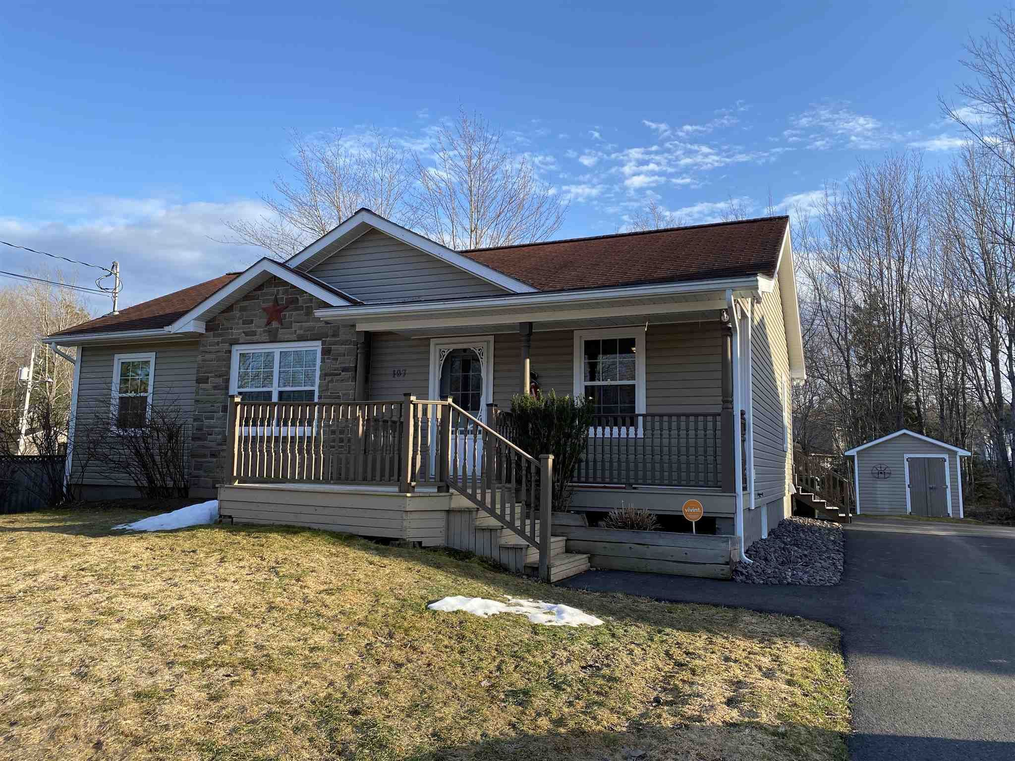 Main Photo: 107 Juniper Street in Stellarton: 106-New Glasgow, Stellarton Residential for sale (Northern Region)  : MLS®# 202106476