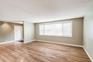 Photo 4: 6416 Larkspur Way SW in Calgary: North Glenmore Park Detached for sale : MLS®# A1127442