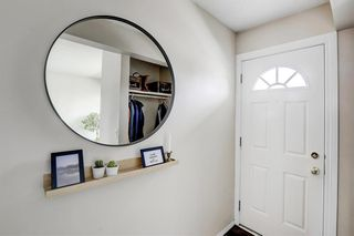 Photo 5: 22 3620 51 Street SW in Calgary: Glenbrook Row/Townhouse for sale : MLS®# A1117371