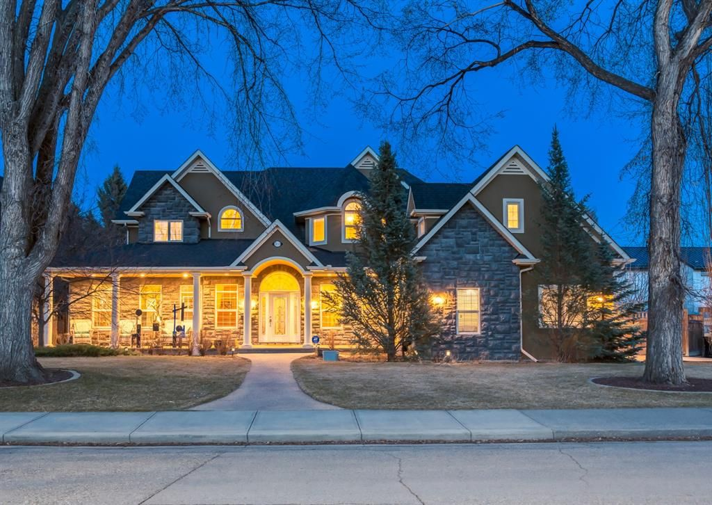 Main Photo: 1214 20 Street NW in Calgary: Hounsfield Heights/Briar Hill Detached for sale : MLS®# A1090403