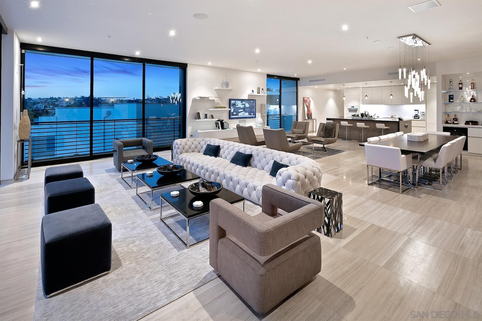 Main Photo: DOWNTOWN Condo for sale : 3 bedrooms : 1929 Columbia St - PH #601 in San Diego