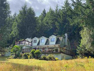 Photo 4: 749 GEORGIA VIEW Road: Galiano Island House for sale (Islands-Van. & Gulf)  : MLS®# R2487145