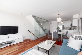 Photo 3: PH3202 610 GRANVILLE STREET in Vancouver: Downtown VW Condo for sale (Vancouver West)  : MLS®# R2604994