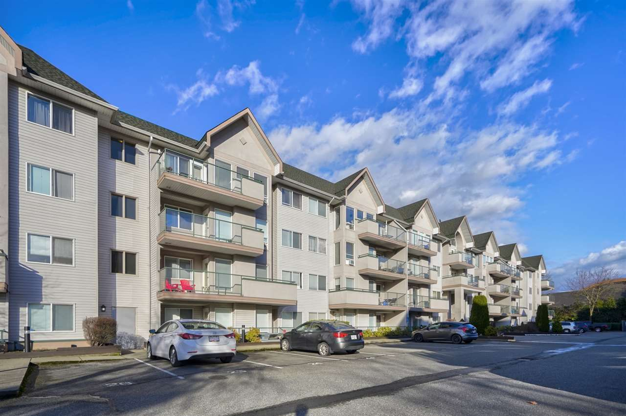 Main Photo: 206 33738 KING Road in Abbotsford: Poplar Condo for sale : MLS®# R2532451