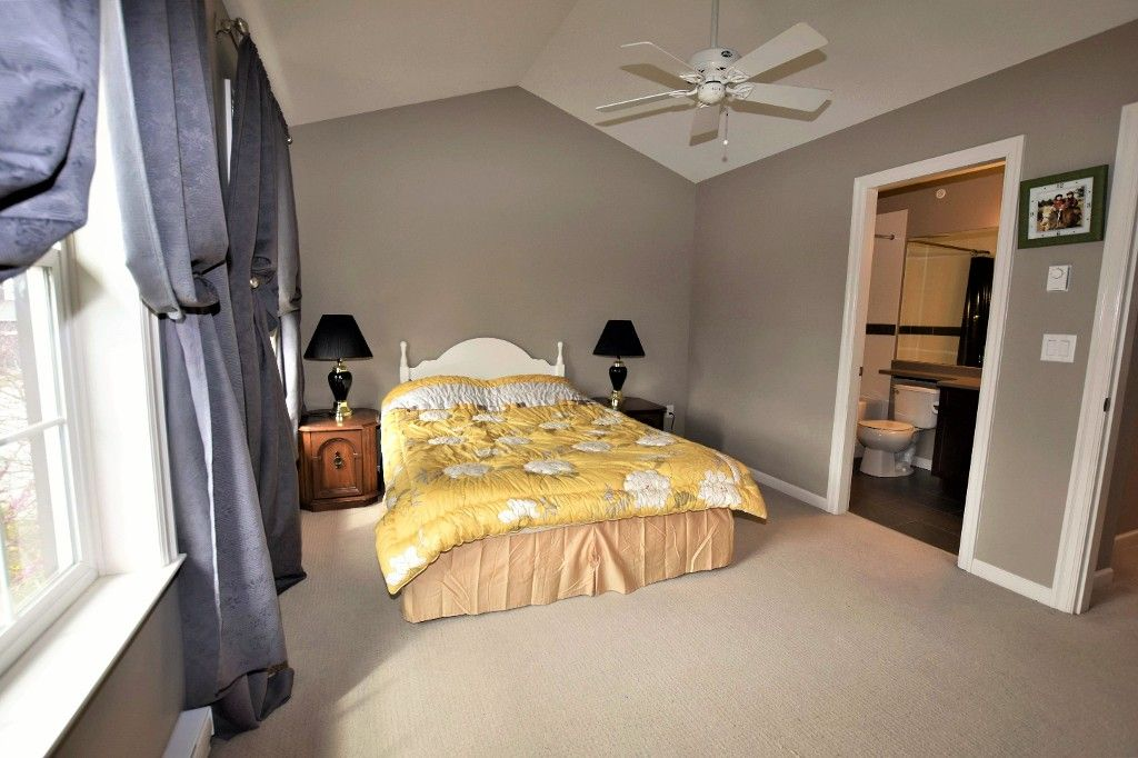 """Photo 10: Photos: 20849 71B Avenue in Langley: Willoughby Heights Condo for sale in """"Milner Heights"""" : MLS®# R2161882"""