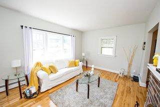 Photo 3: 525 St. Margarets Bay Road in Halifax: 8-Armdale/Purcell`s Cove/Herring Cove Residential for sale (Halifax-Dartmouth)  : MLS®# 202110006