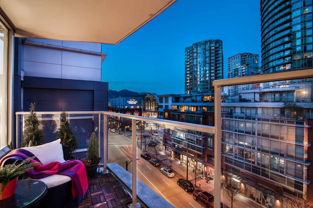 """Photo 3: Photos: 702 689 ABBOTT Street in Vancouver: Downtown VW Condo for sale in """"ESPANA"""" (Vancouver West)  : MLS®# R2352723"""
