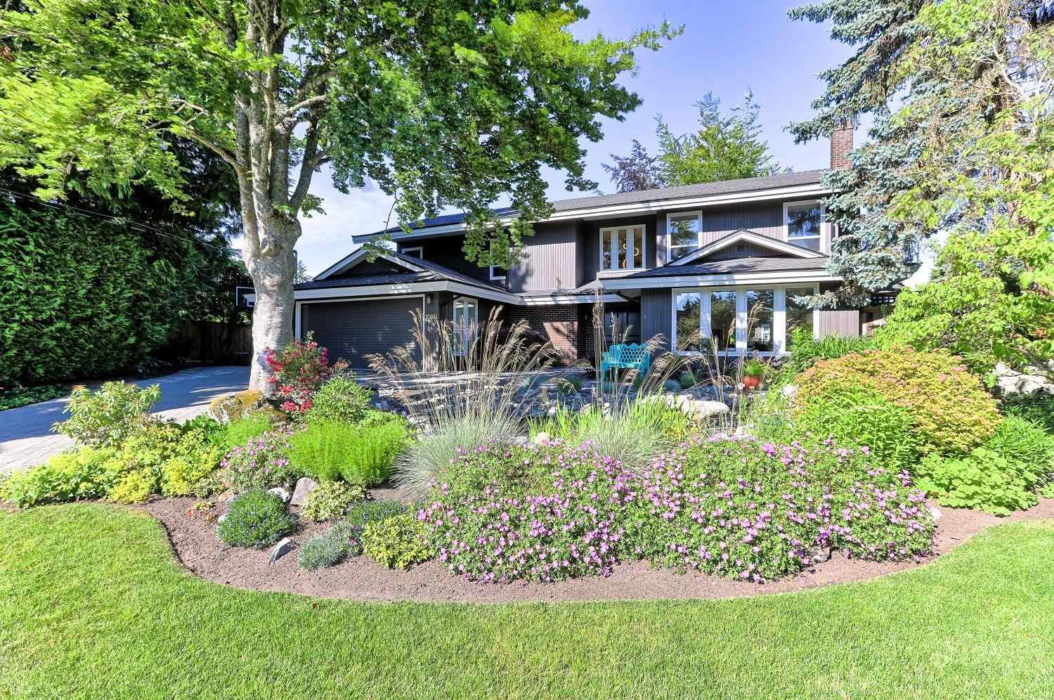"""Main Photo: 1086 PACIFIC Court in Delta: English Bluff House for sale in """"THE VILLAGE"""" (Tsawwassen)  : MLS®# R2553515"""