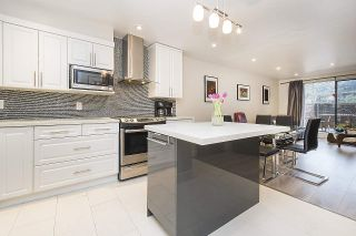 """Photo 1: 113 1770 W 12TH Avenue in Vancouver: Fairview VW Condo for sale in """"Granville West"""" (Vancouver West)  : MLS®# R2245067"""