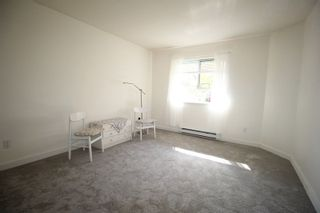 """Photo 6: 319 15110 108TH Avenue in Surrey: Guildford Condo for sale in """"Riverpointe"""" (North Surrey)  : MLS®# R2310519"""