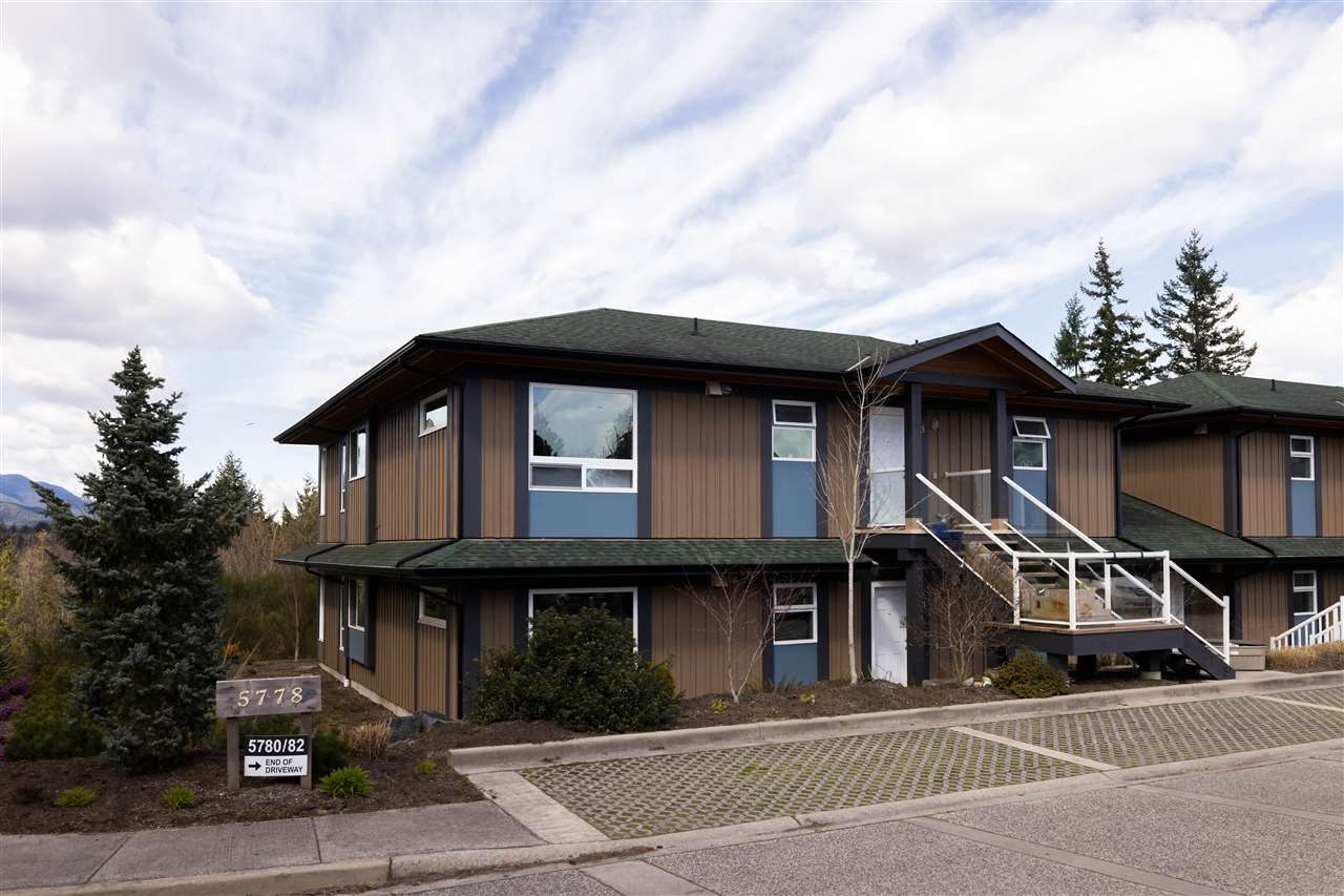 Main Photo: 1 5778 MARINE Way in Sechelt: Sechelt District Townhouse for sale (Sunshine Coast)  : MLS®# R2562361