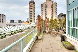 """Photo 1: 301 789 JERVIS Street in Vancouver: West End VW Condo for sale in """"JERVIS COURT"""" (Vancouver West)  : MLS®# R2236913"""