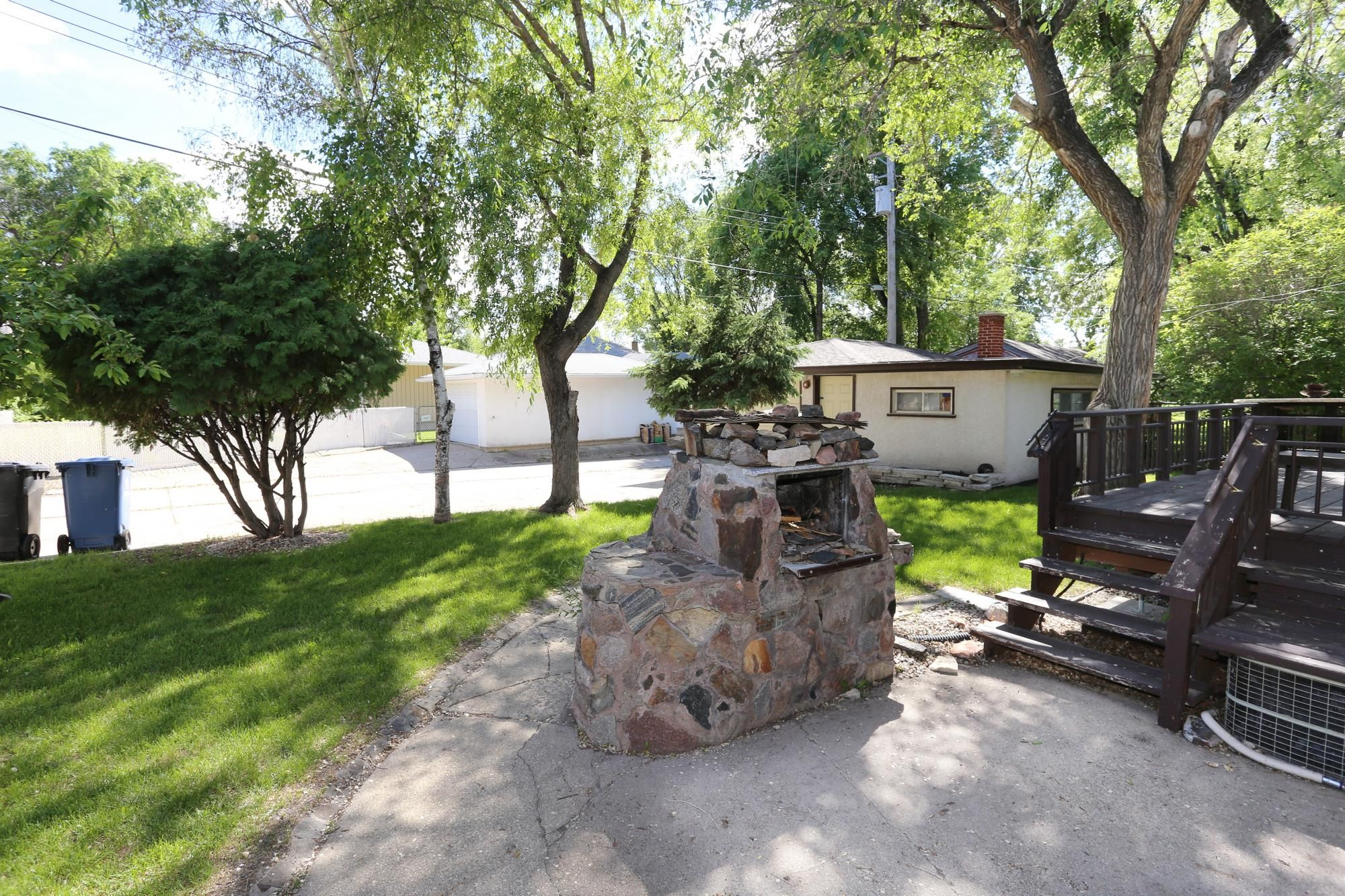 Photo 28: Photos: 1320 Valour Road in Winnipeg: West End Single Family Detached for sale (5C)  : MLS®# 1816744
