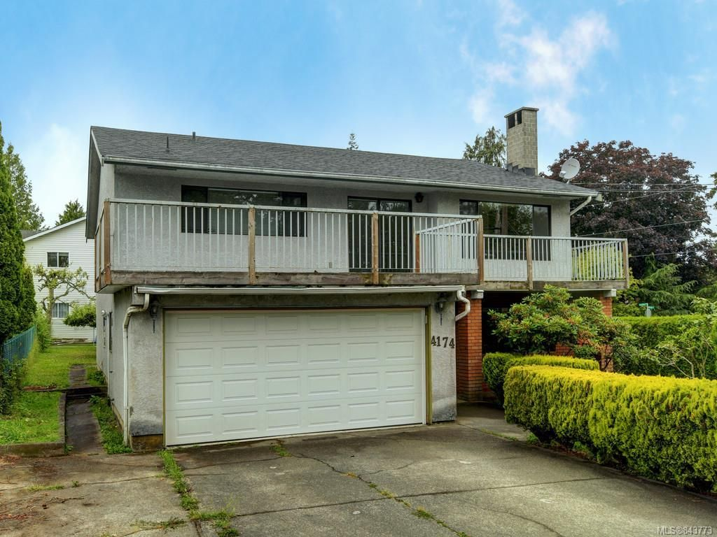 Main Photo: 4174 Glanford Ave in Saanich: SW Glanford House for sale (Saanich West)  : MLS®# 843773