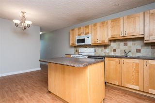 Photo 4: 14739 51 Avenue in Edmonton: Zone 14 Townhouse for sale : MLS®# E4230817