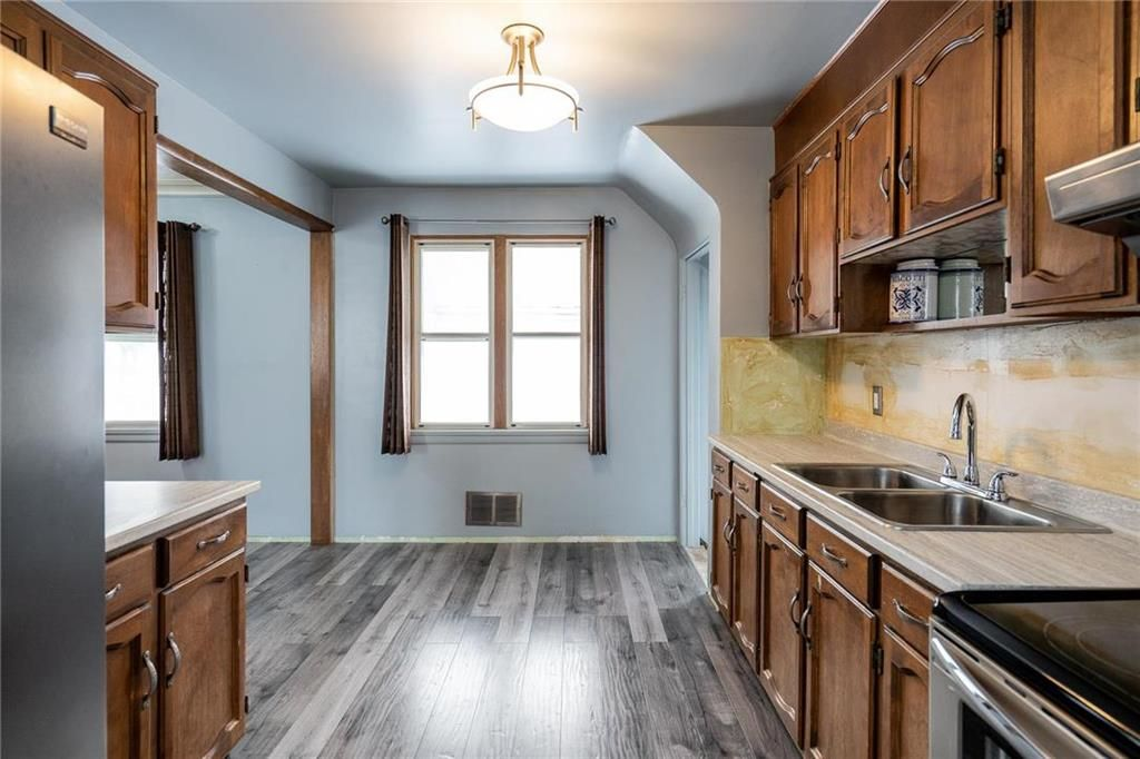 Photo 6: Photos: 984 Cathedral Avenue in Winnipeg: Sinclair Park Residential for sale (4C)  : MLS®# 202029493