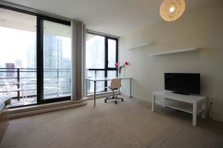 """Photo 12: 1303 909 MAINLAND Street in Vancouver: Yaletown Condo for sale in """"YALETOWN PARK 2"""" (Vancouver West)  : MLS®# R2561164"""