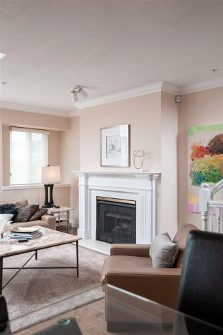 """Photo 7: 2251 HEATHER Street in Vancouver: Fairview VW Townhouse for sale in """"THE FOUNTAINS"""" (Vancouver West)  : MLS®# R2593764"""