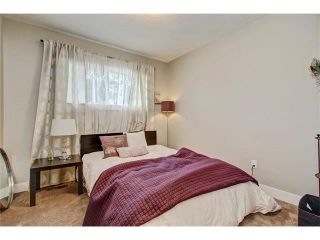 Photo 19: 544 OAKWOOD Place SW in Calgary: Oakridge House for sale : MLS®# C4084139