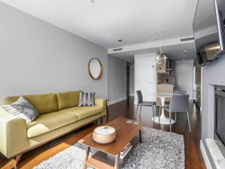 """Photo 9: 2506 1111 ALBERNI Street in Vancouver: West End VW Condo for sale in """"SHANGRI-LA"""" (Vancouver West)  : MLS®# R2525593"""