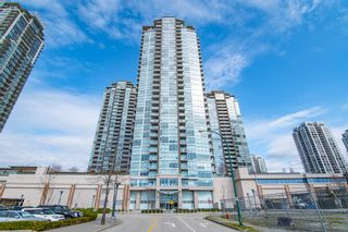 "Photo 1: 3207 2975 ATLANTIC Avenue in Coquitlam: North Coquitlam Condo for sale in ""GRAND CENTRAL 3"" : MLS®# R2401198"