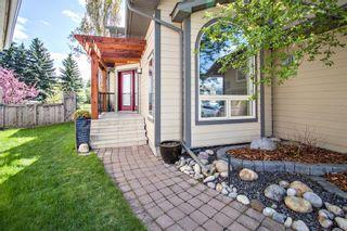 Photo 3: 440 Douglasbank Court SE in Calgary: Douglasdale/Glen Detached for sale : MLS®# A1109710