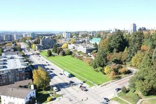 """Photo 15: 1701 320 ROYAL Avenue in New Westminster: Downtown NW Condo for sale in """"THE PEPPER TREE"""" : MLS®# R2196193"""