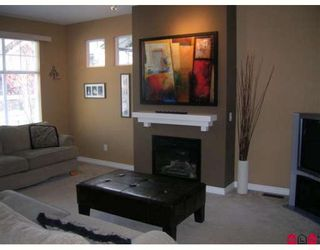 "Photo 3: 26 6050 166TH Street in Surrey: Cloverdale BC Townhouse for sale in ""WESTFIELD"" (Cloverdale)  : MLS®# F2831331"