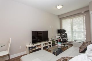 """Photo 2: 515 2495 WILSON Avenue in Port Coquitlam: Central Pt Coquitlam Condo for sale in """"ORCHID RIVERSIDE CONDOS"""" : MLS®# R2572512"""