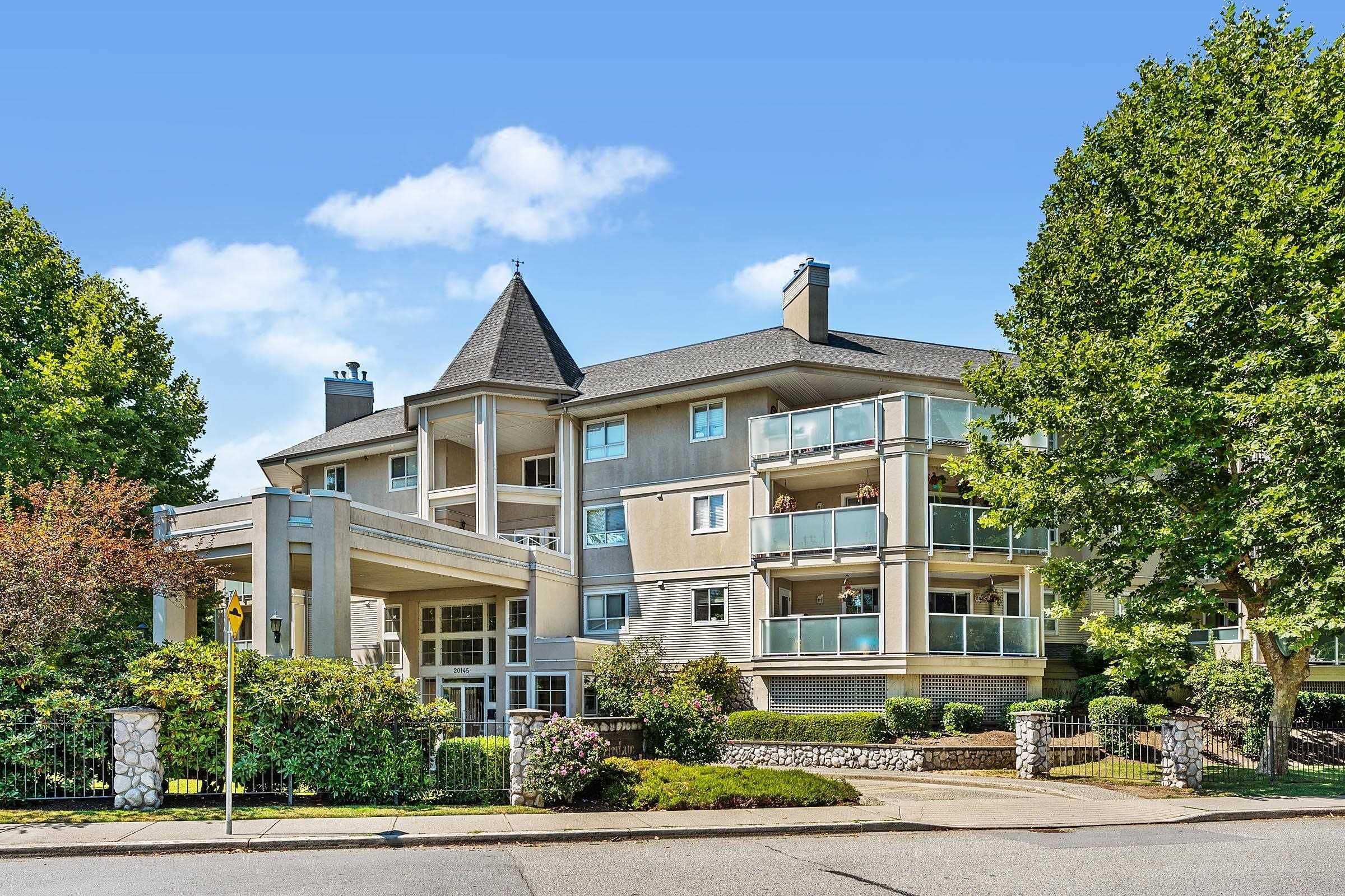 """Main Photo: 303 20145 55A Avenue in Langley: Langley City Condo for sale in """"BLACKBERRY LANE"""" : MLS®# R2609677"""