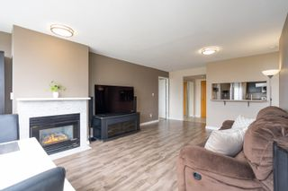 """Photo 15: 2201 9603 MANCHESTER Drive in Burnaby: Cariboo Condo for sale in """"STRATHMORE TOWERS"""" (Burnaby North)  : MLS®# R2608444"""